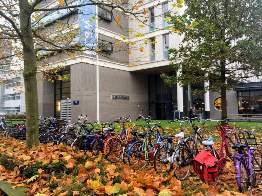 Faculdade de Direito no outono
