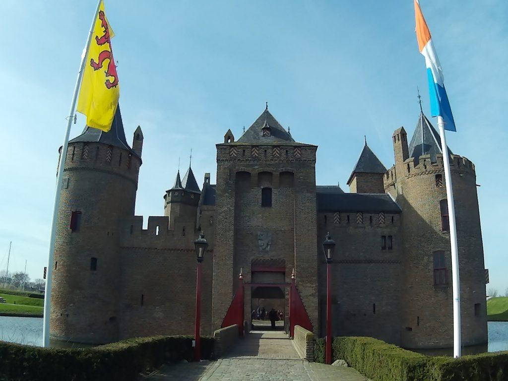 muiderslot-entrance
