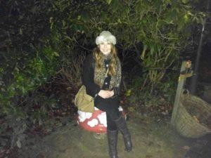 Essa era eu tentando não demonstrar que estava congelando na floresta no inverno