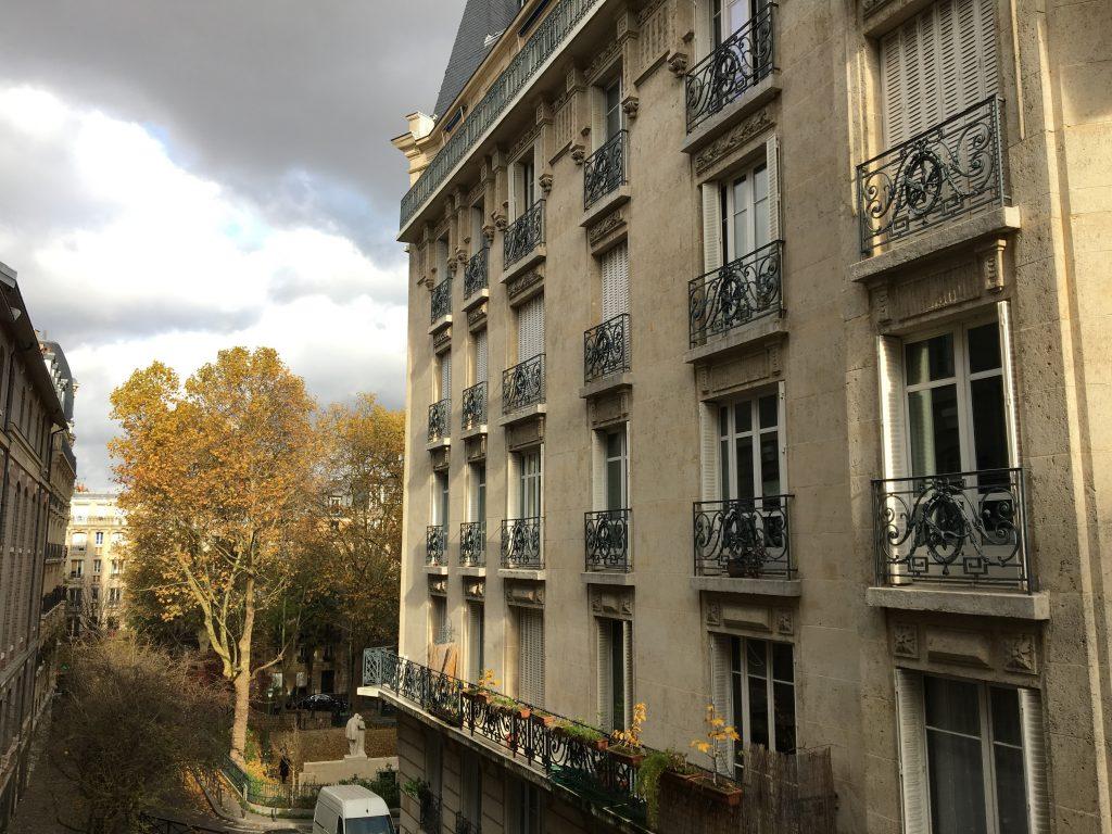 Qualquer rua em Paris faz você se apaixonar