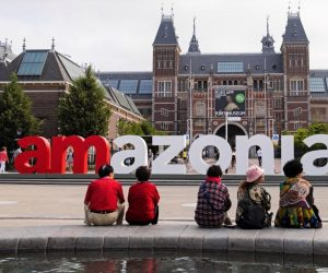 Letreiro de Amsterdam substituído por I Amazonia